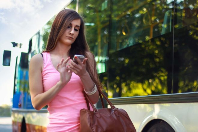 App Oktoberfest woman on mobile phone