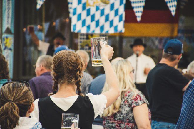 Oktoberfest Hits Lieder 2019 Frau Maß